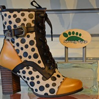 spring step, polka dots, boot, heel